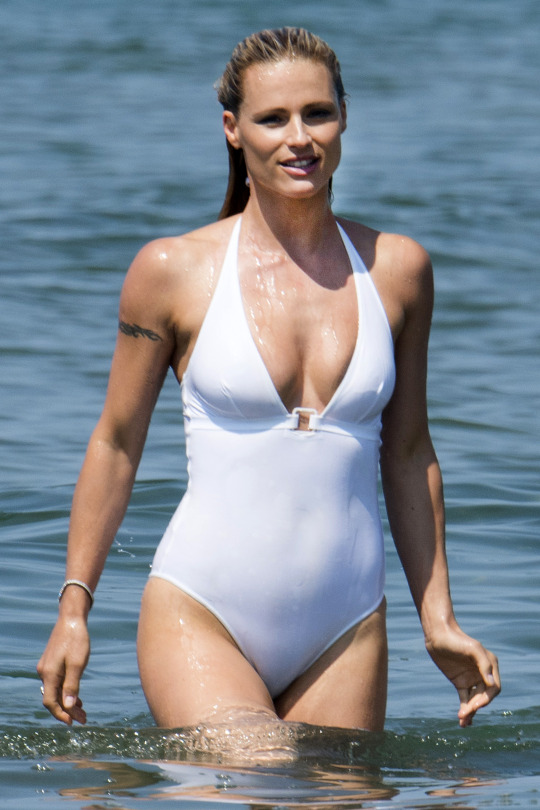 michelle hunziker in swimsuit 6 photos thefappening