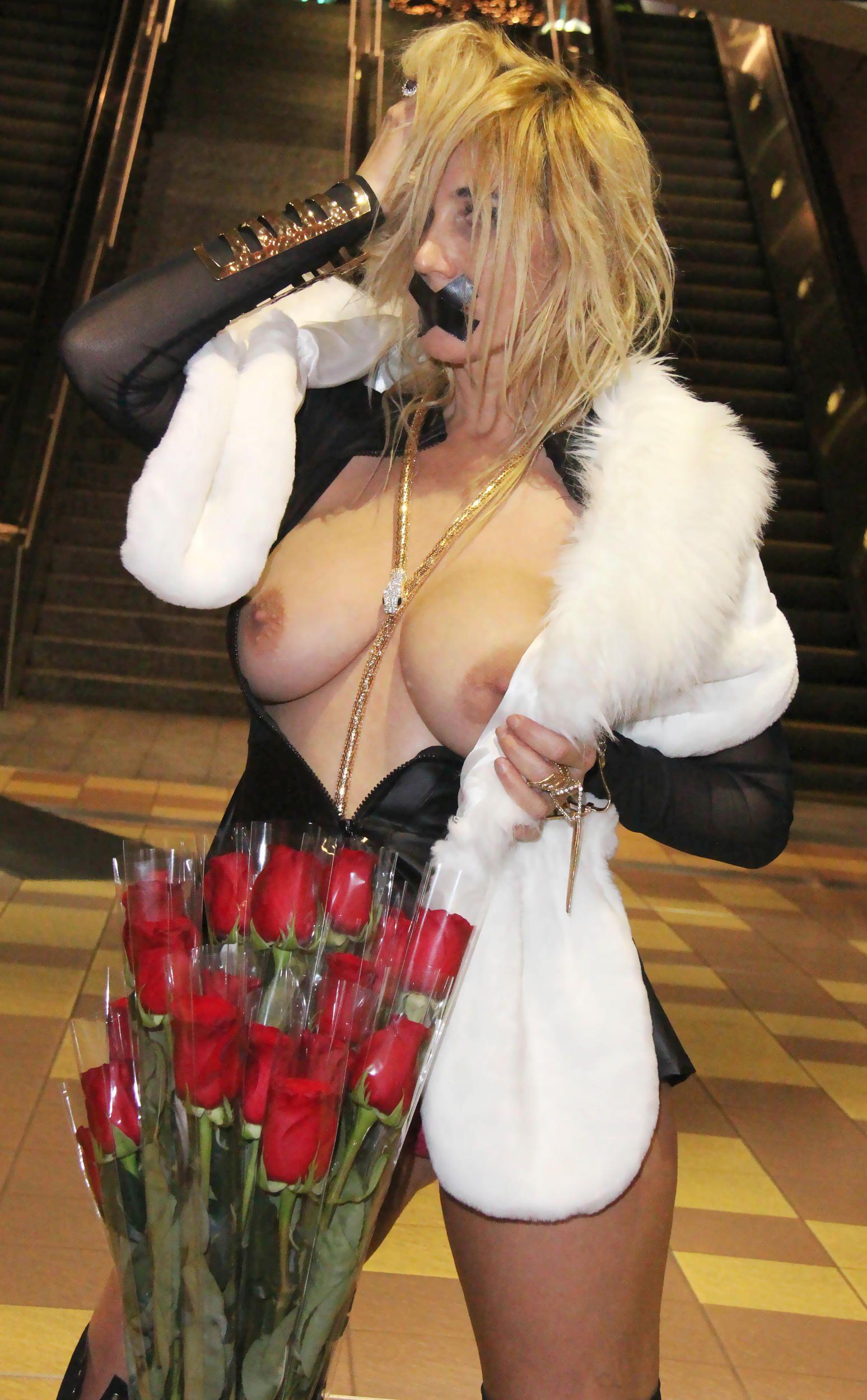 Nadeea-Volianova-Topless-5
