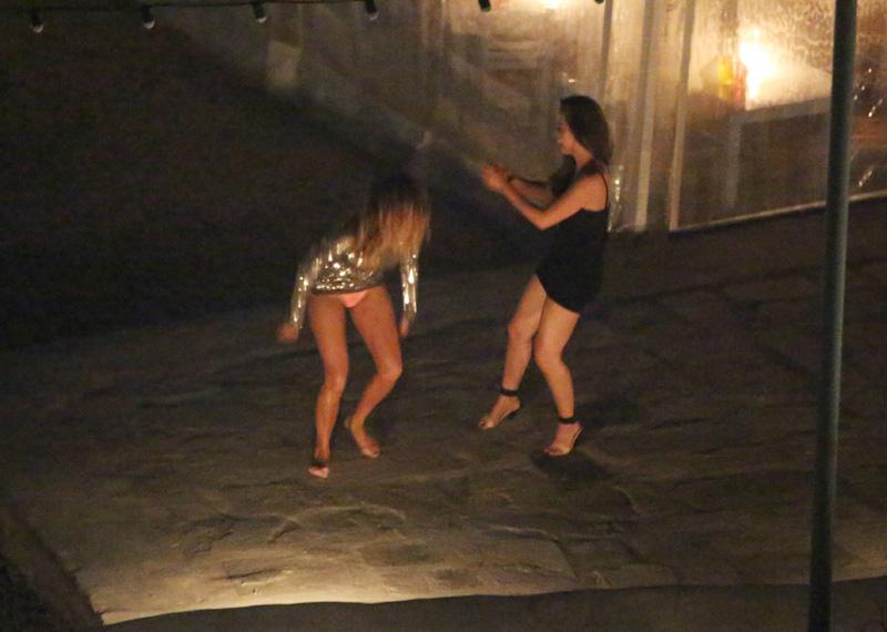Nicole-Scherzinger-Upskirt-2