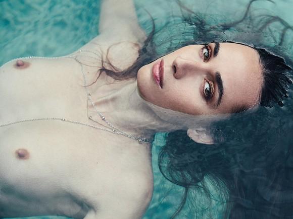 Rebecca Dayan Topless (7 Photos)