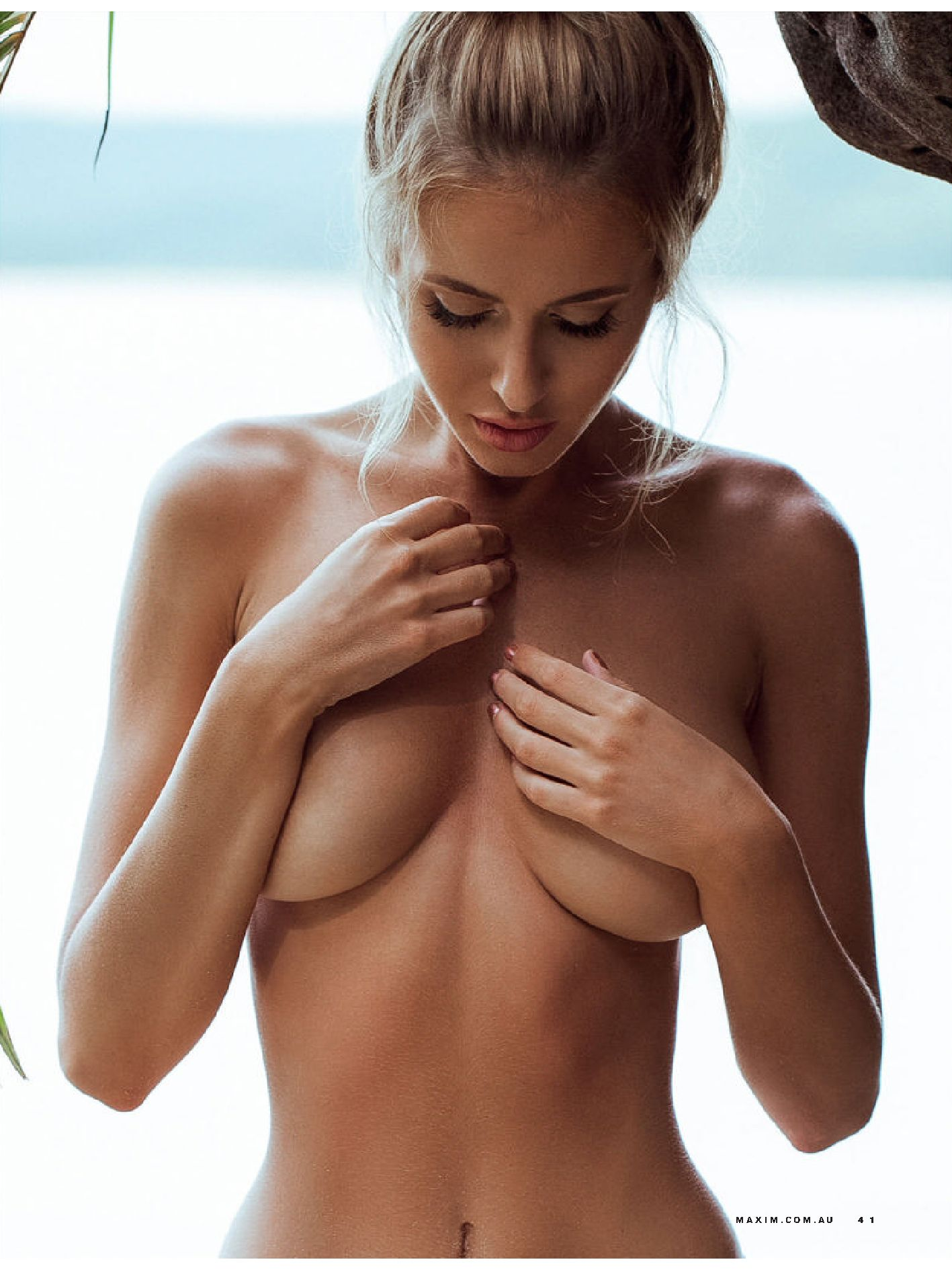 Renee somerfield sexy topless 9 photos new picture