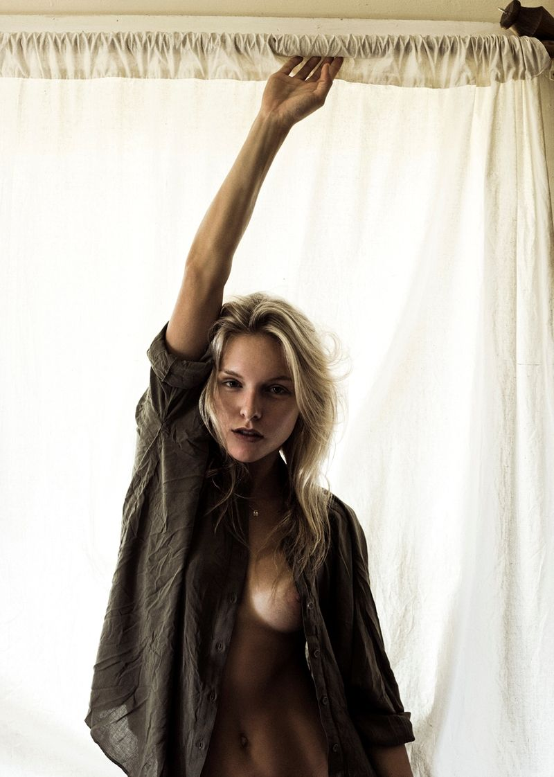 Samantha Cannon Topless (10 Photos)