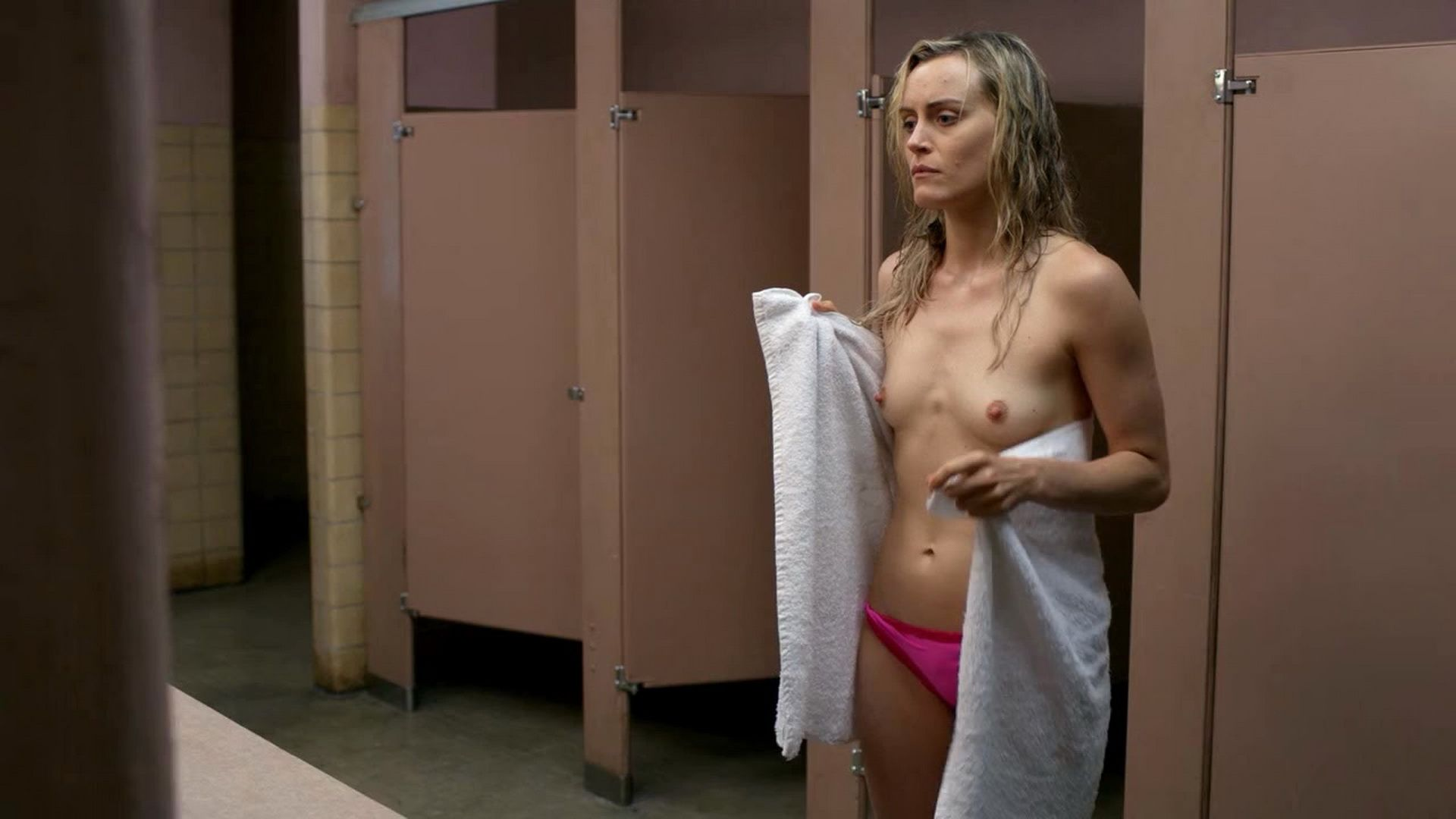 Taylor Schilling Topless (2 Photos)