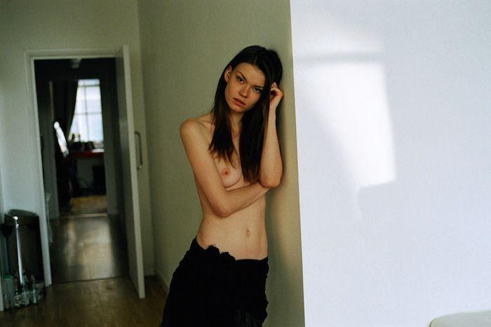 Alexandra Vittek Topless (4 Photos)