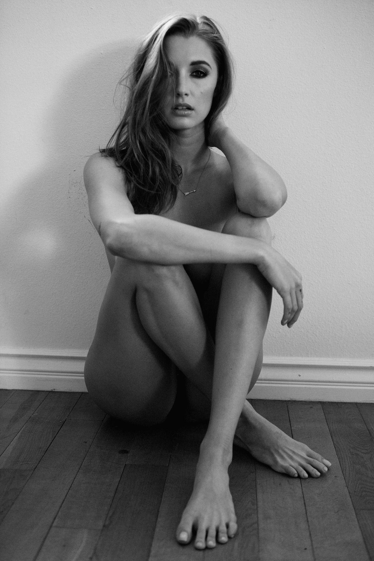 Arce topless alyssa Alyssa Arce
