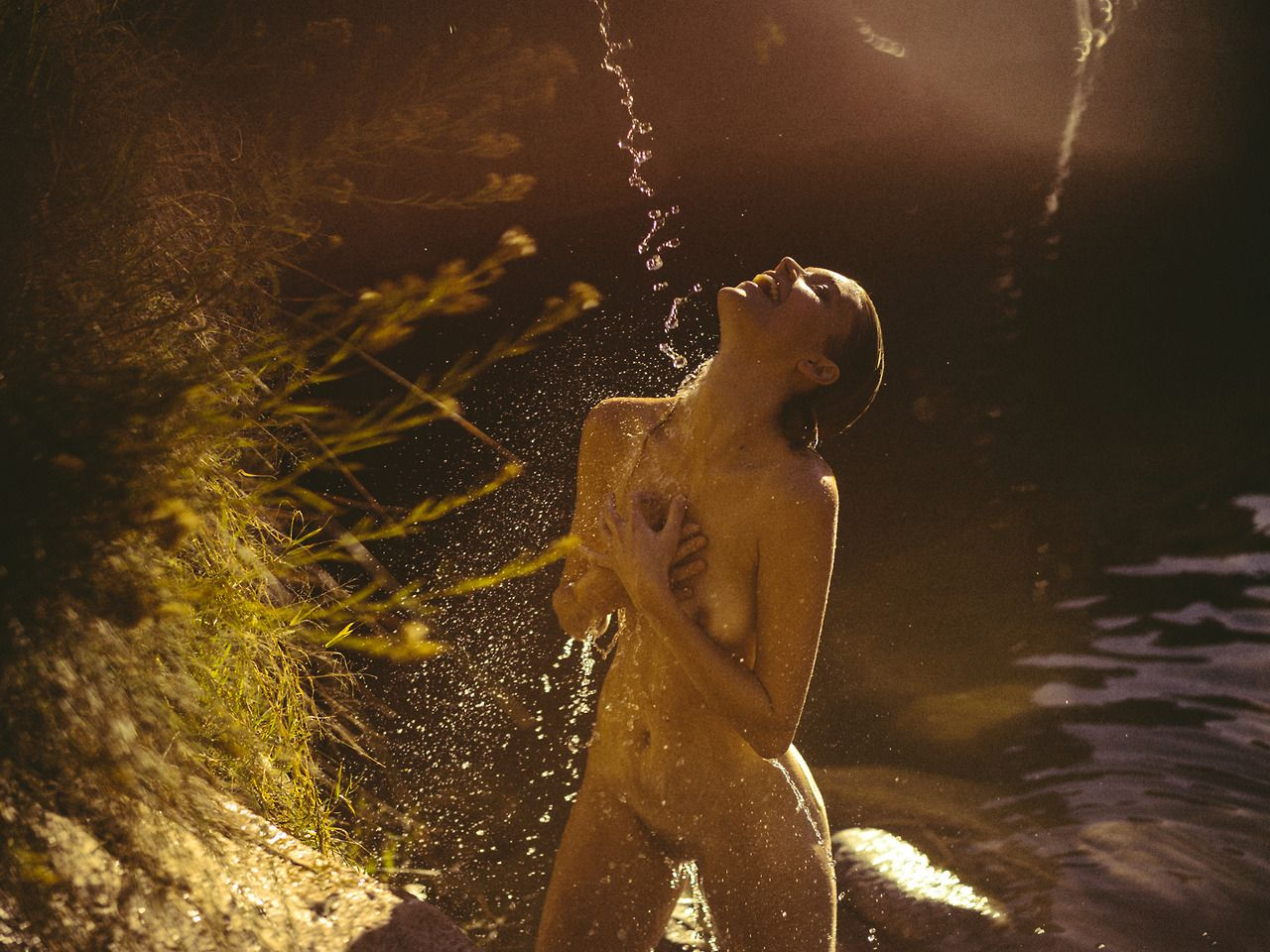 Berit-Birkeland-River-Liana-Yasmina-Jones-Nude-3