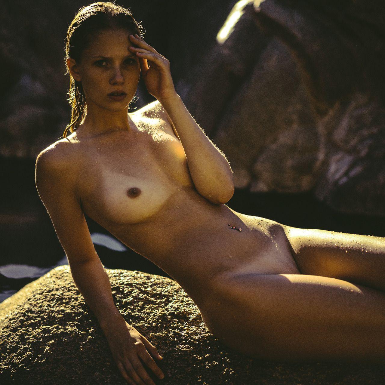 Topless Amy Jones Naked Gif