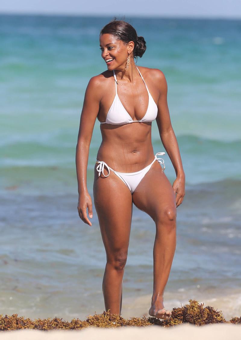 Claudia-Jordan-in-a-Bikini-2