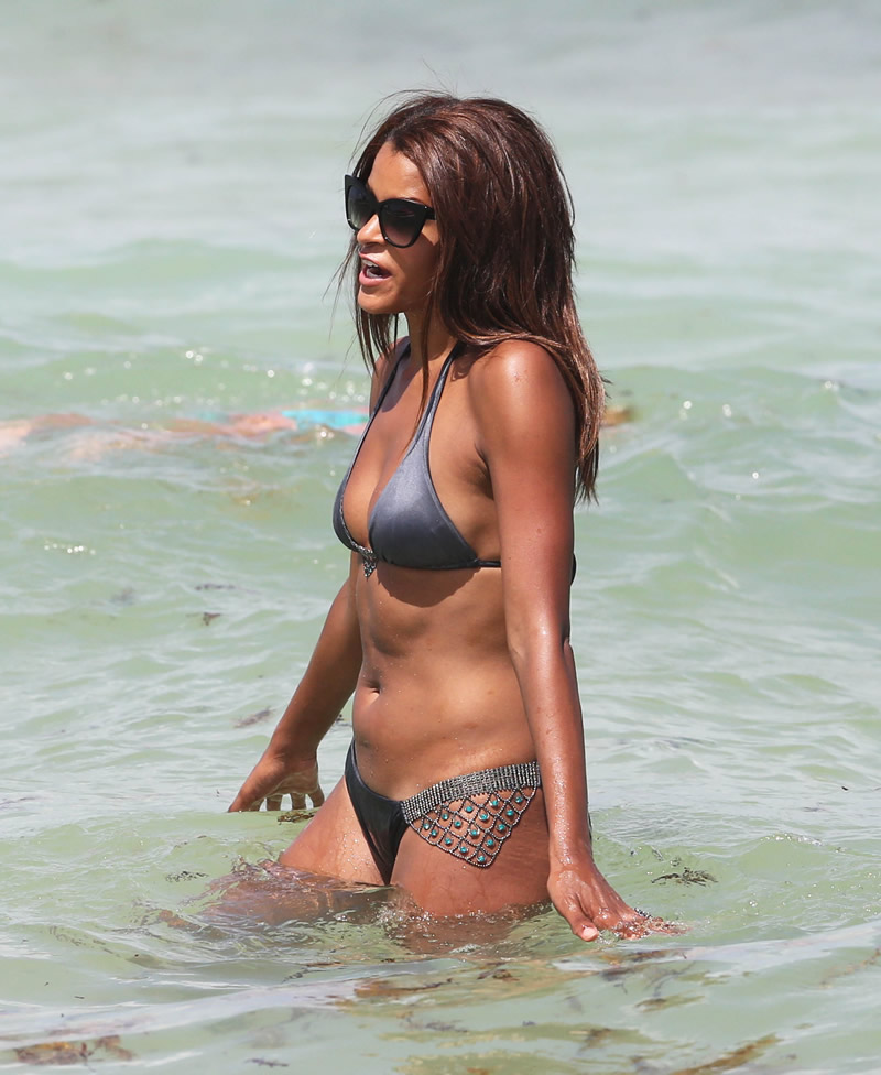 Claudia Jordan in a Bikini (30 Photos)