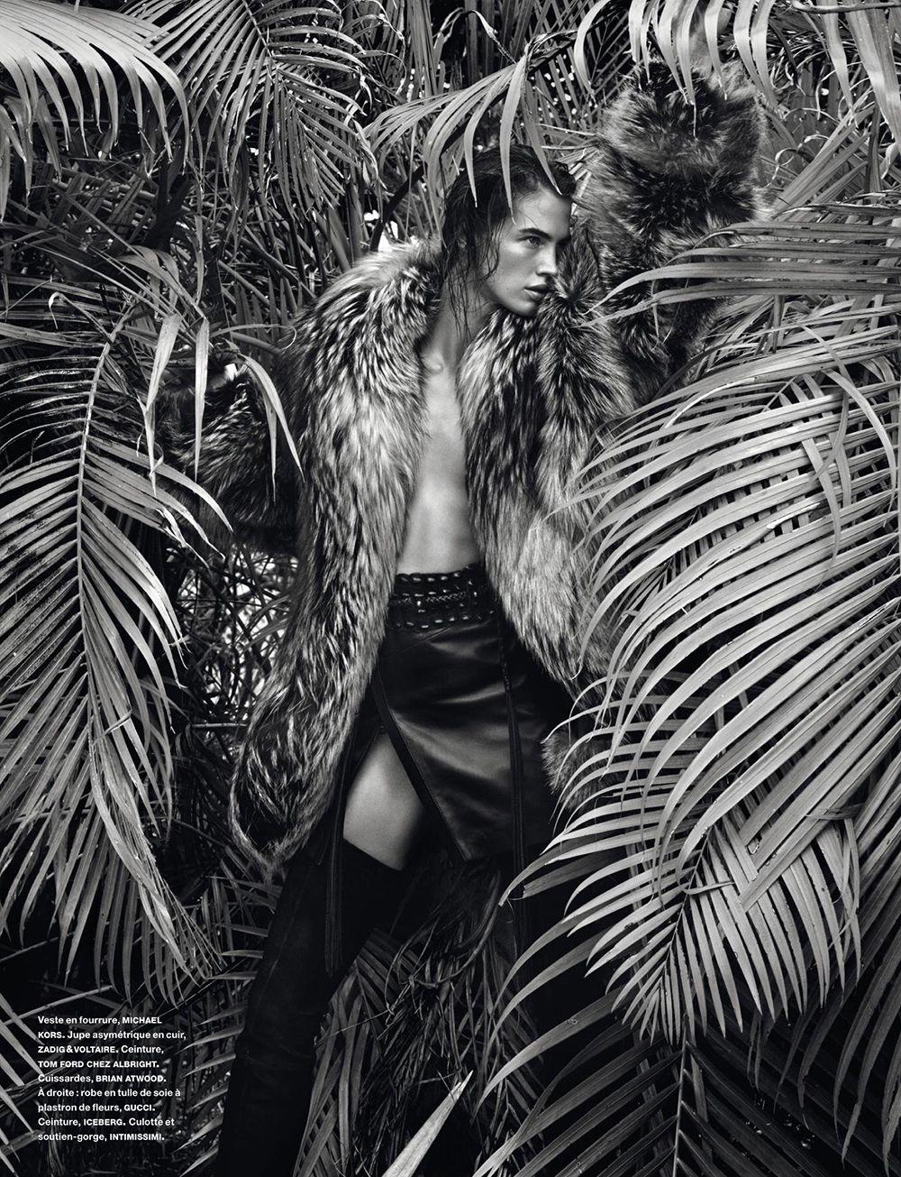 Crista Cober Topless (8 Photos)