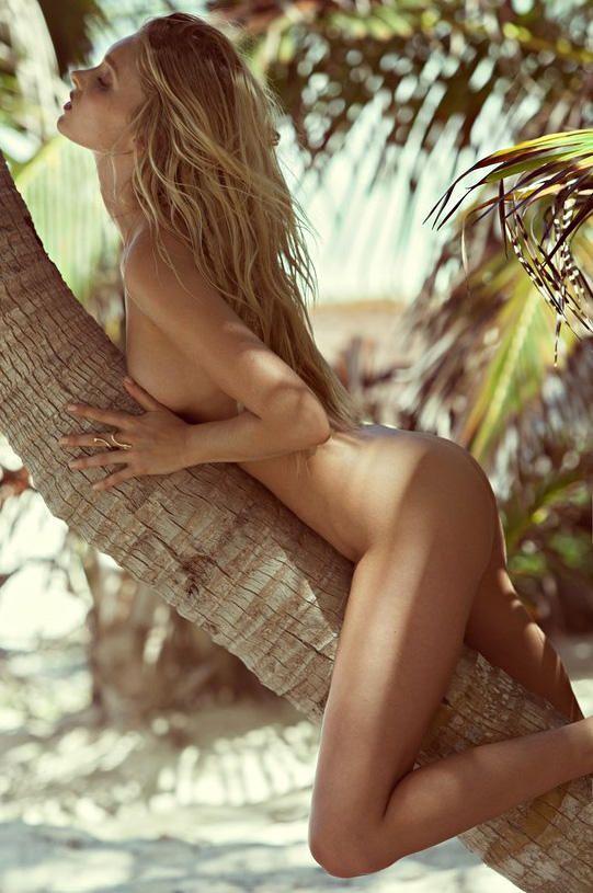 Elsa Hosk Topless (12 Photos)
