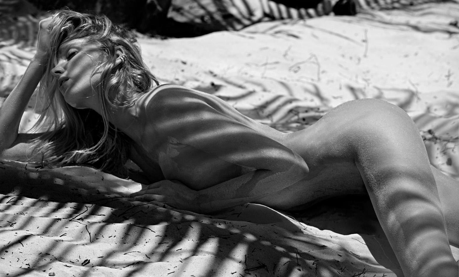 Elsa-Hosk-Topless-8