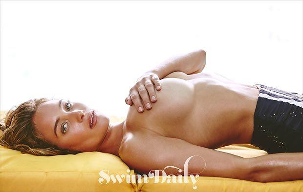 Hannah-Davis-in-a-Bikini-2