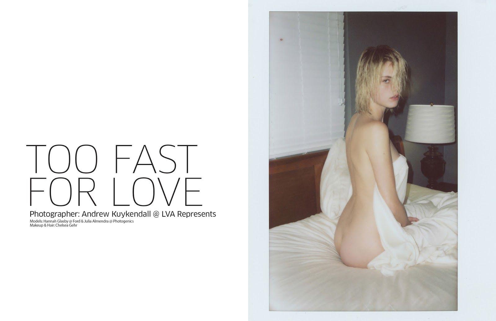 Hannah Glasby & Julia Almendra Topless (7 Photos)