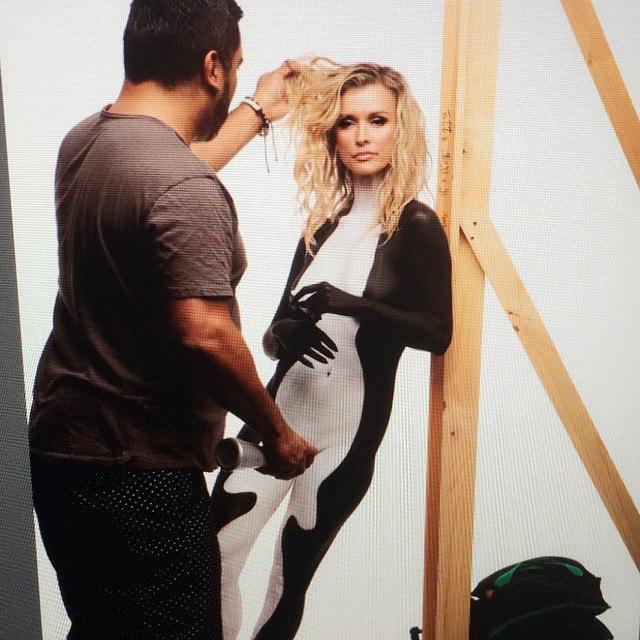 Joanna Krupa Body Paint (8 Photos)