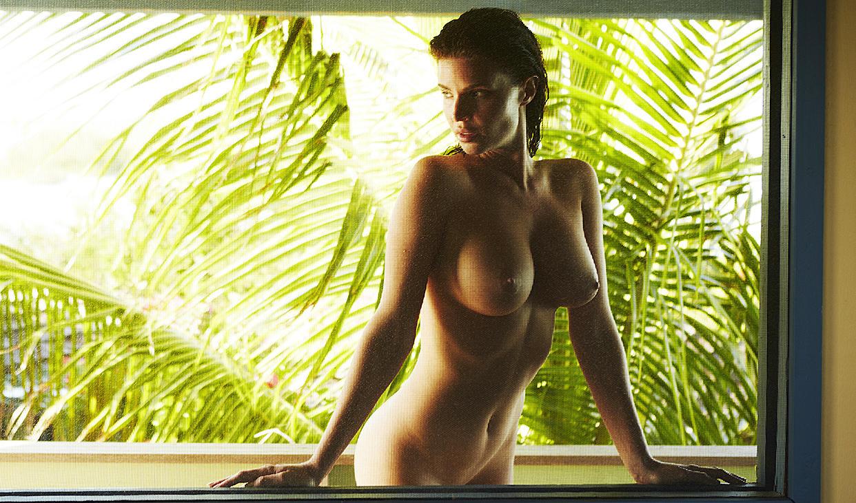 Sexy Model Julia Lescova