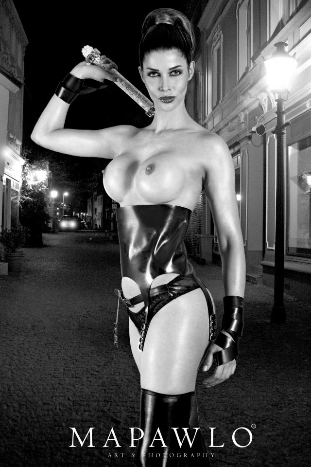 Micaela Schaefer Topless (8 Photos)