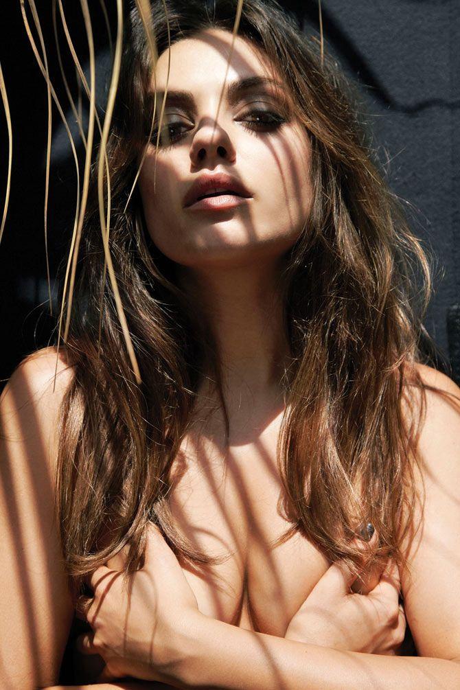 Kunis nackt milan Mila Kunis