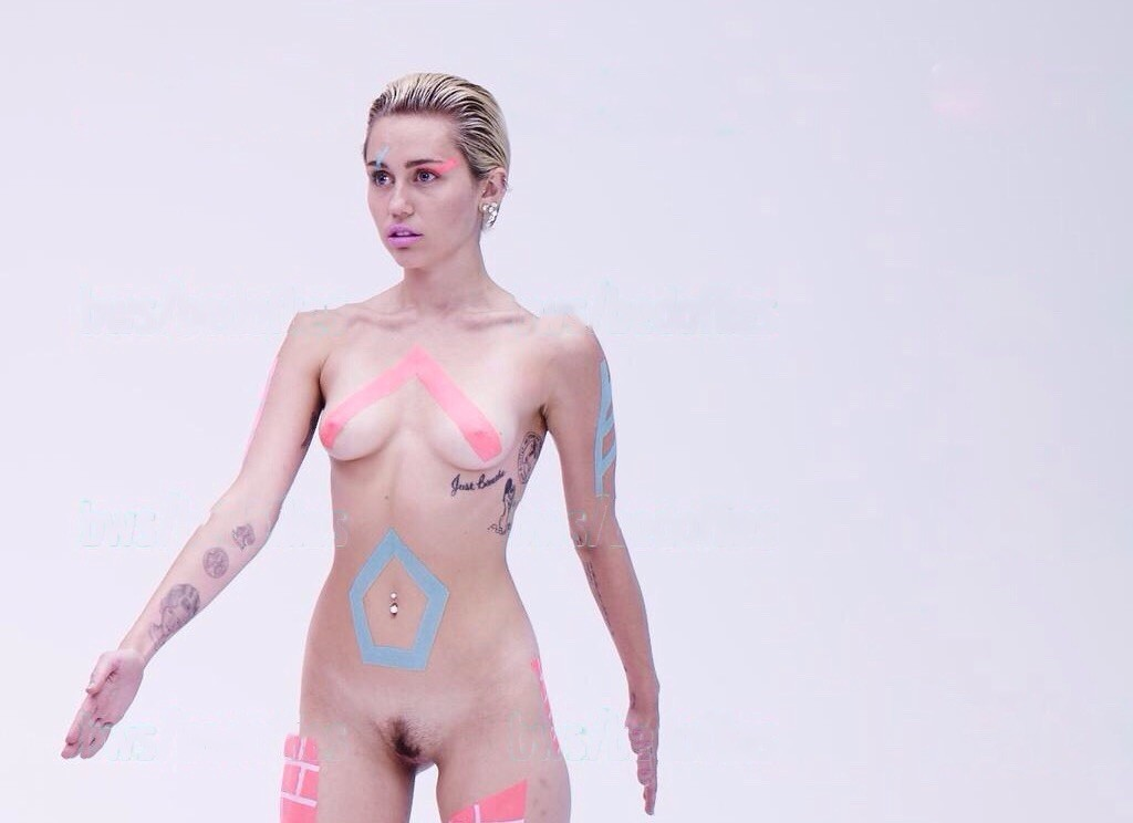 mylie cyrus naked body