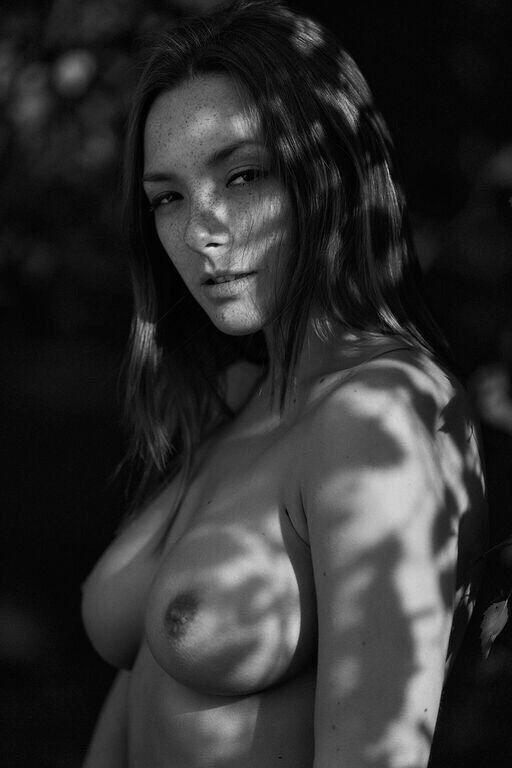 Olga Kobzar Nude (5 Photos)