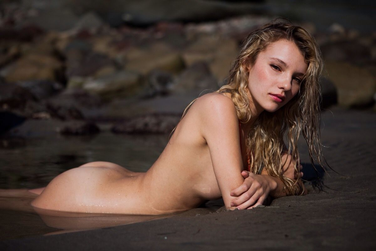 Rachel-Yampolsky-Hot-Topless-3