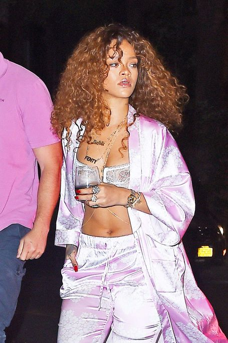 Rihanna See Through (2... Rihanna Age 2017