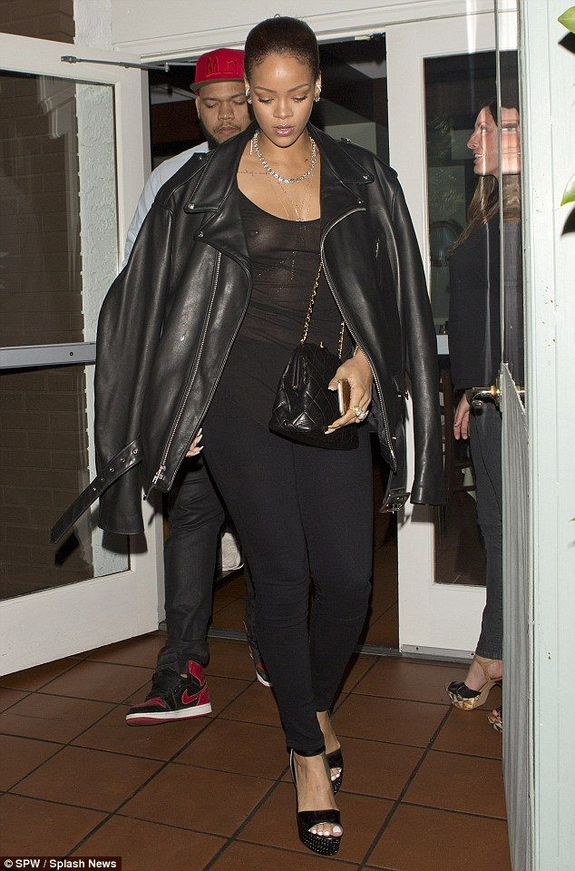 Rihanna See Through (7 Photos)