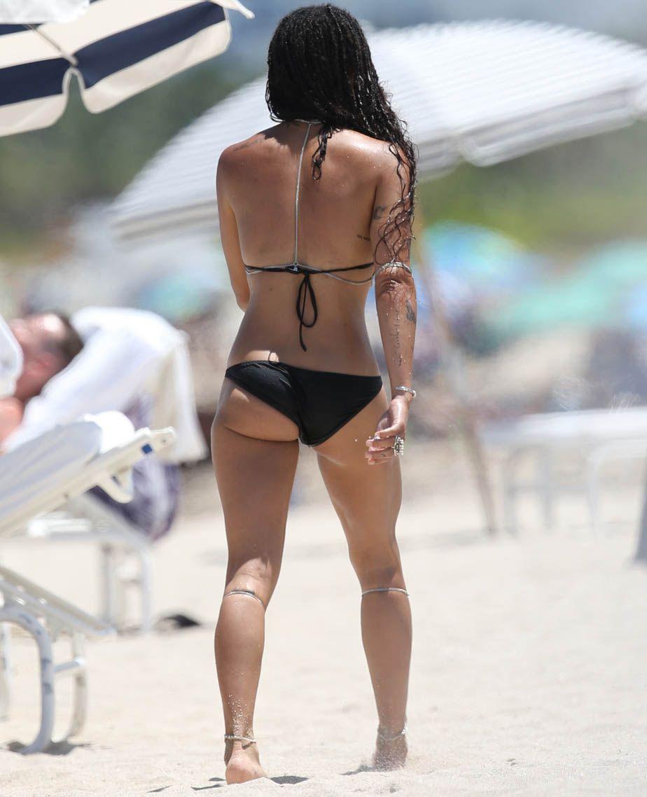 Zoe-Kravitz-in-a-Bikini-1