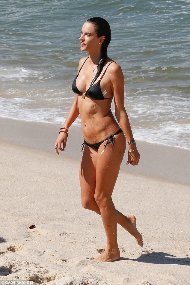 Alessandra Ambrosio Bikini Nude Photos 4