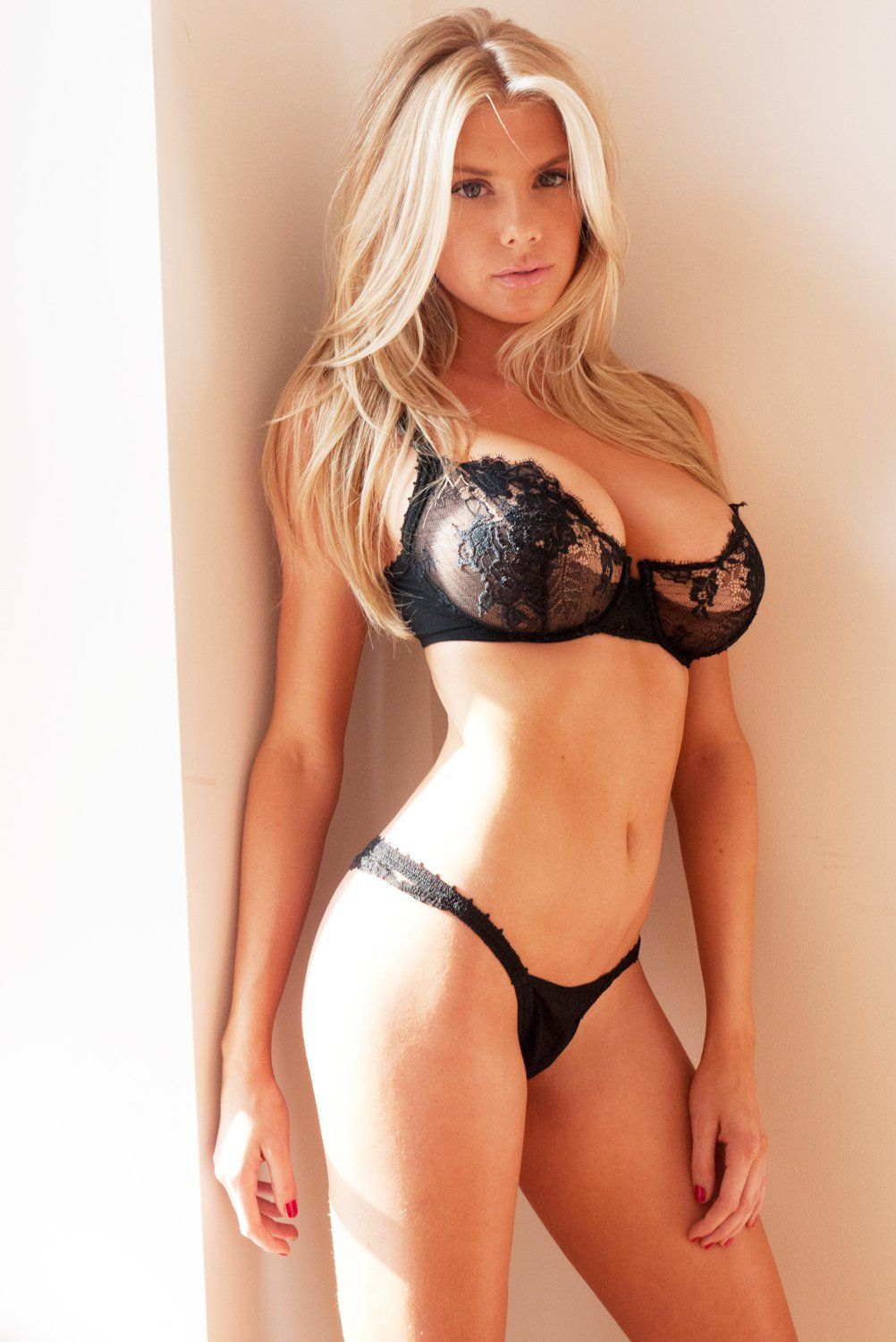 Charlotte McKinney in a Lingerie (9 Photos)