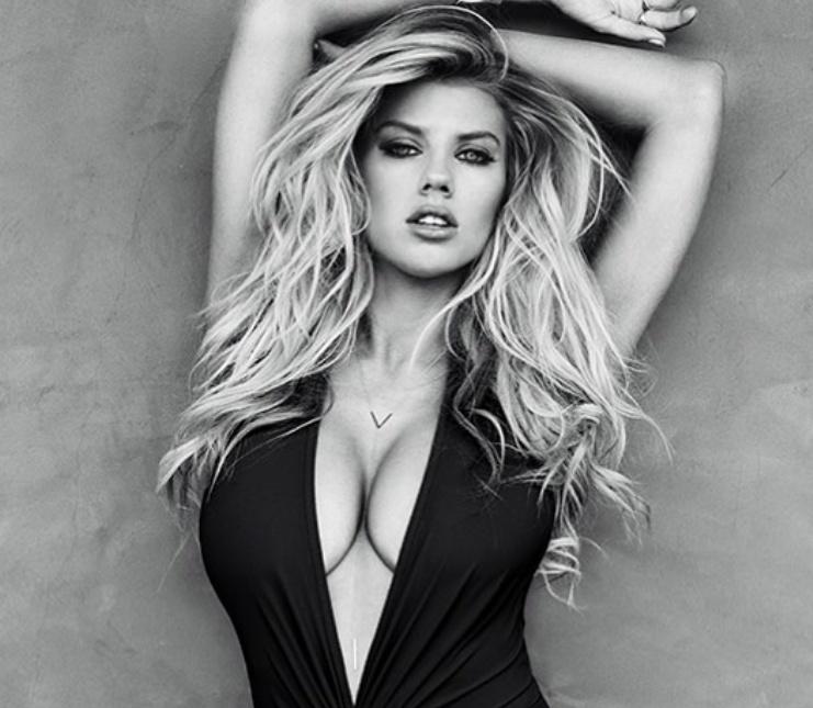Charlotte McKinney Sexy (8 Photos)