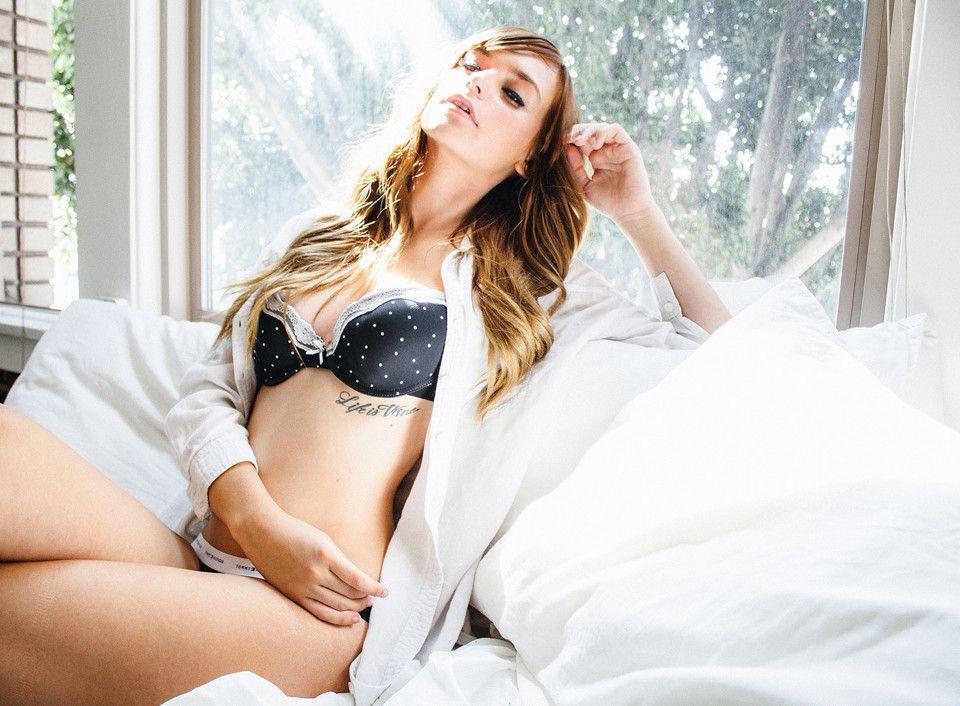 Courtney-Barnum-Sexy-1