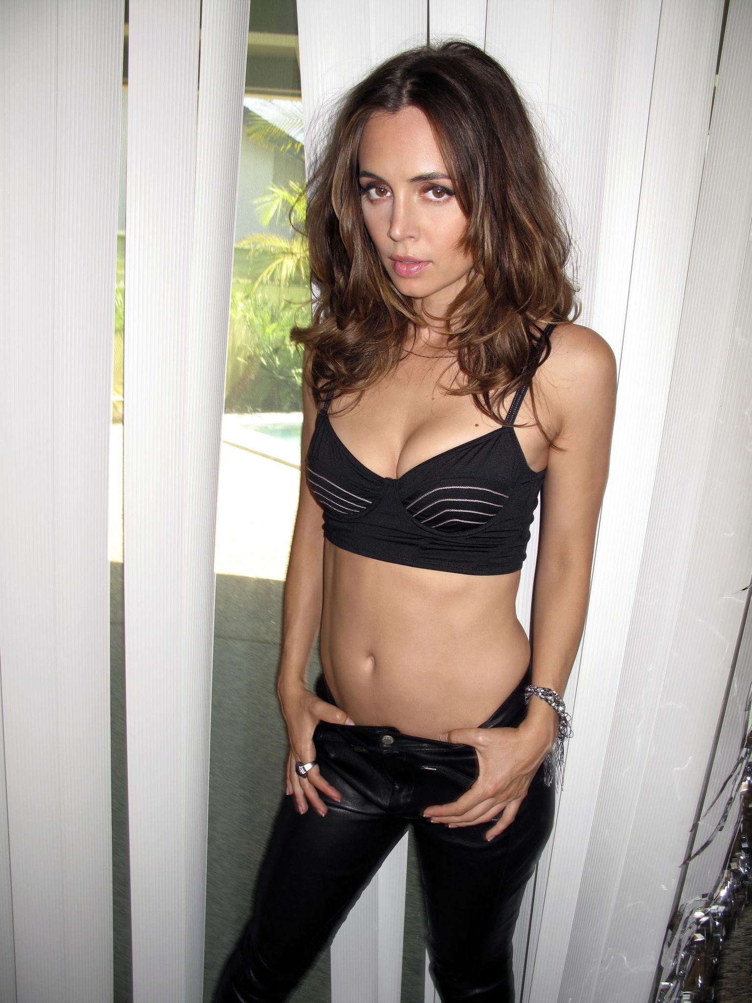 Eliza Dushku Sexy (7 Photos)