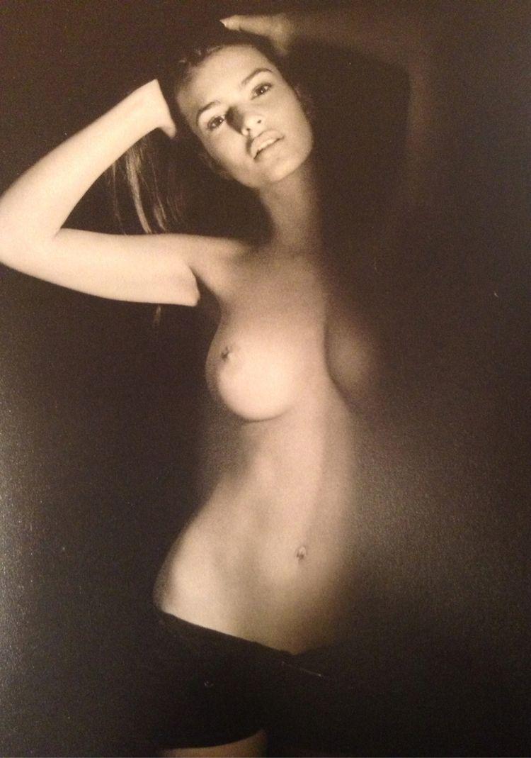 Emily ratajkowski topless photos 2 naked (49 pics)