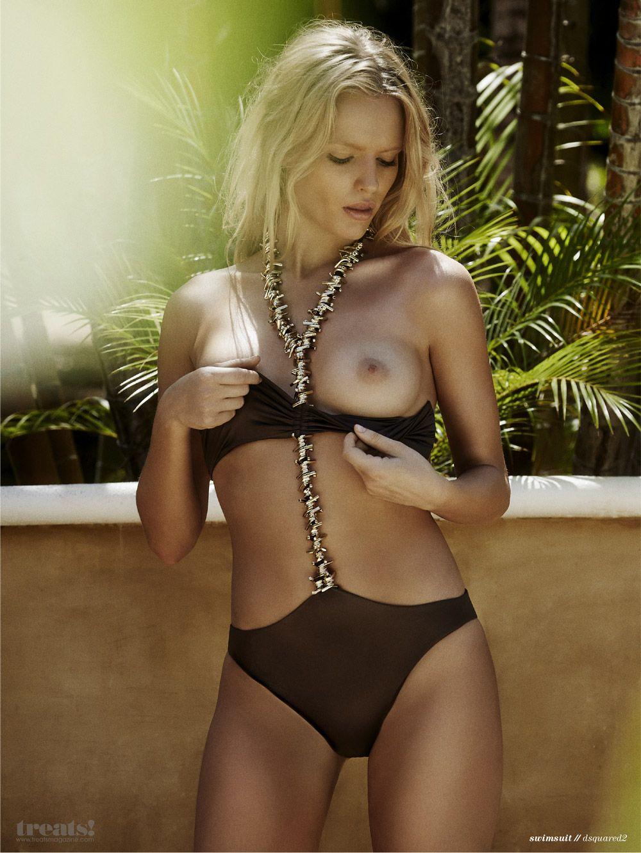 Isabella Farrell Topless (4 Photos)