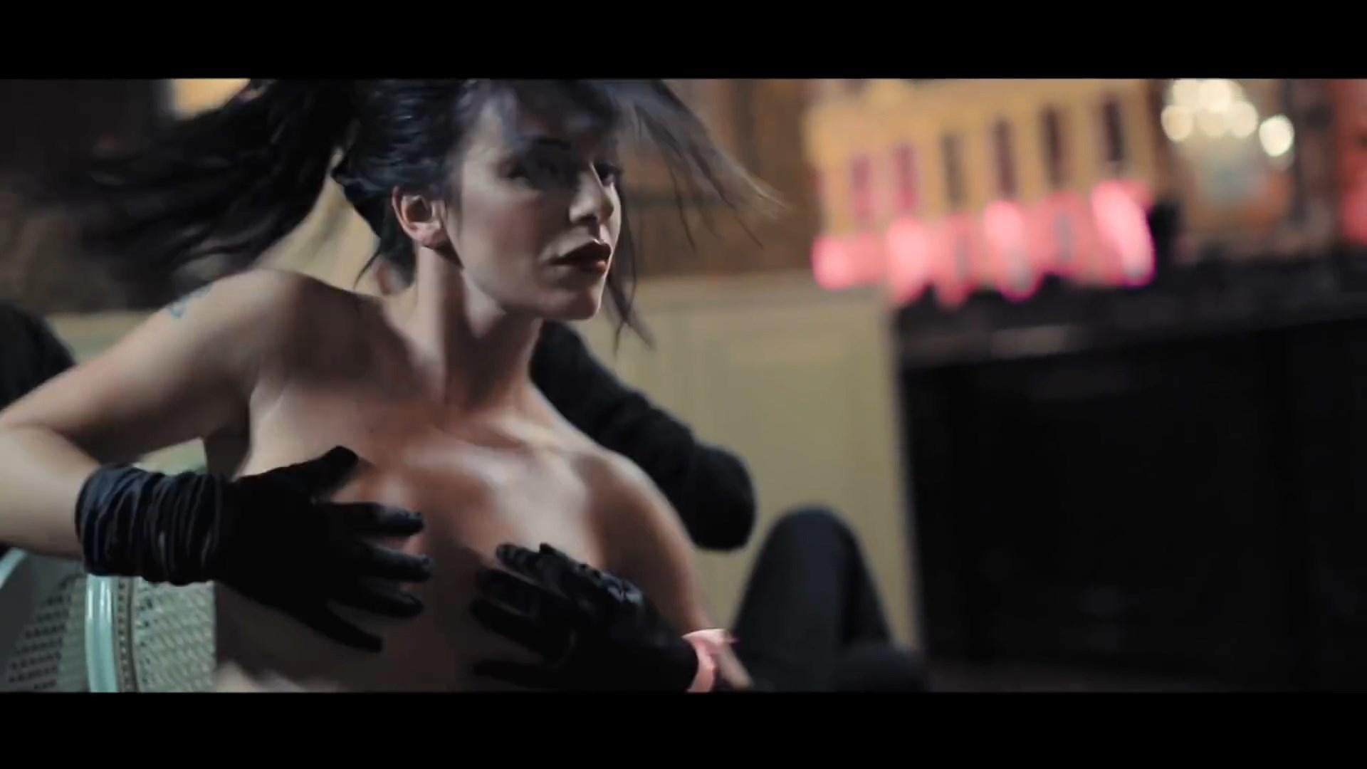 Julia Volkova (ex t.A.T.u.) Topless (25 Photos)
