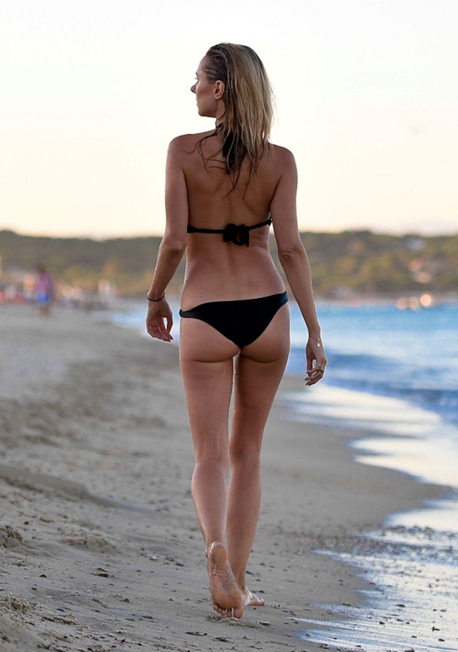 Kimberley Garner Bikini Nude Photos 84