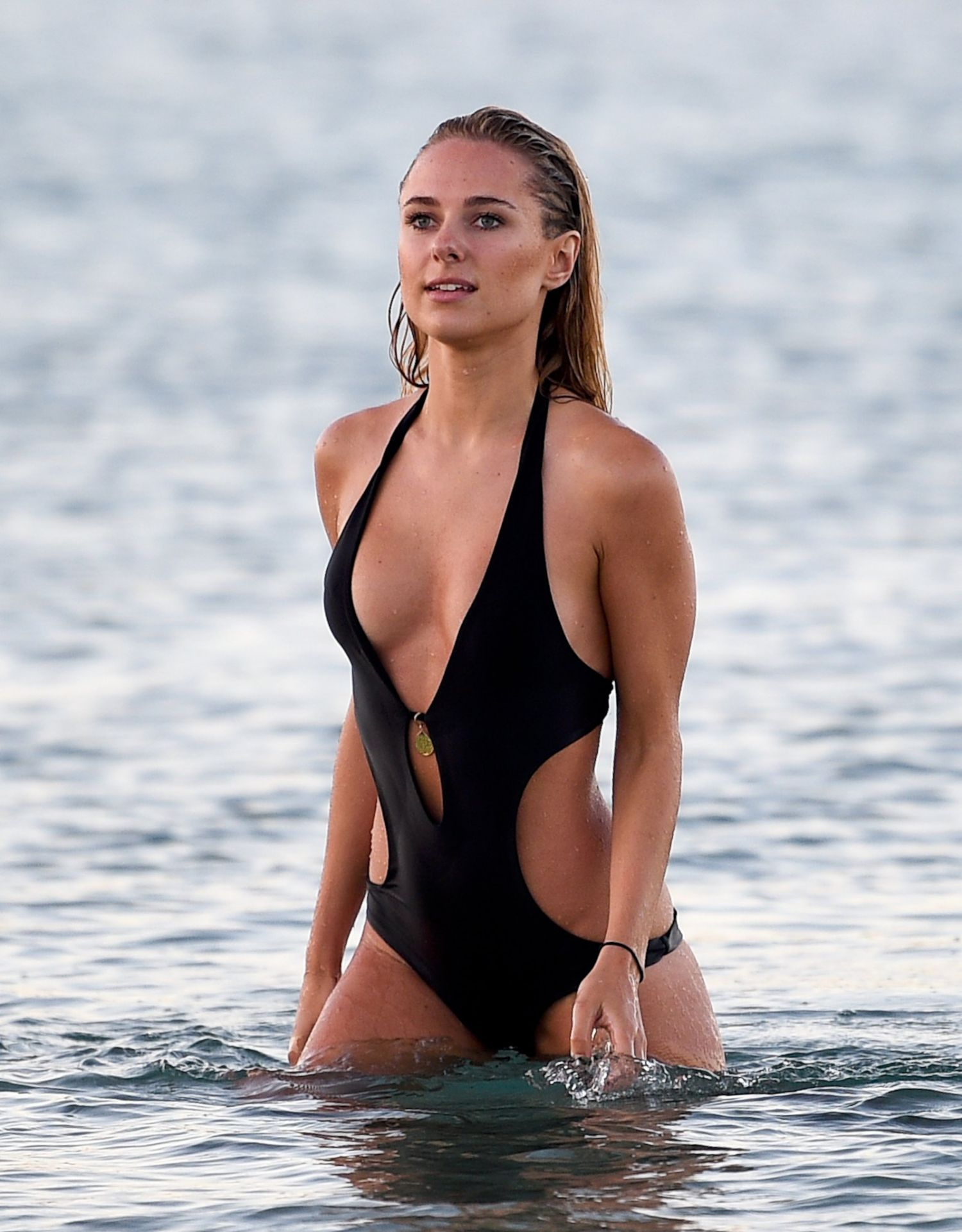 Kimberley Garner Bikini Nude Photos 88