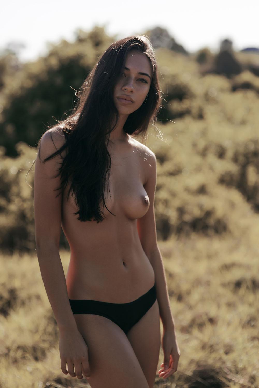 Kirstie-Beck-Topless-1