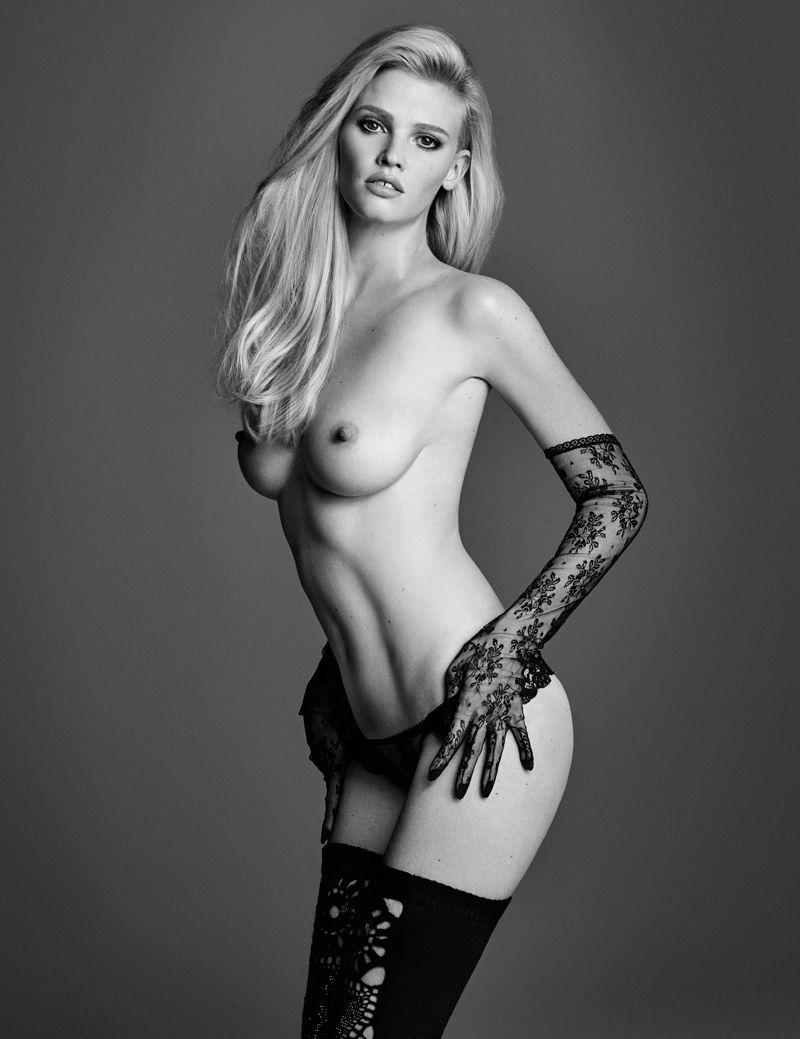 Lara-Stone-Topless-4