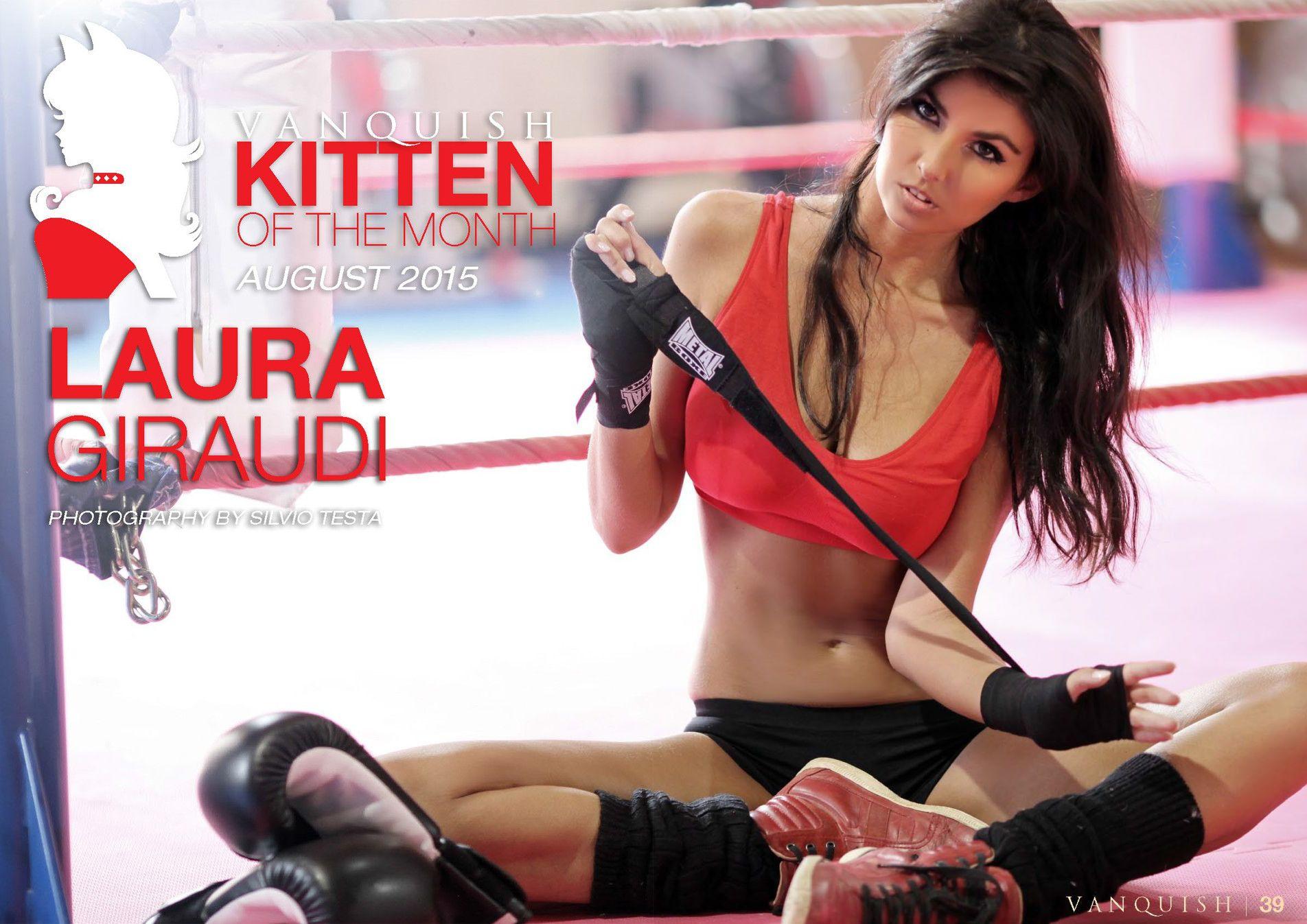 Laura Giraudi Topless (13 Photos)