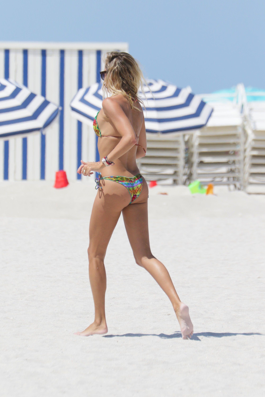 Lauren Stoner in a Bikini (30 Photos)
