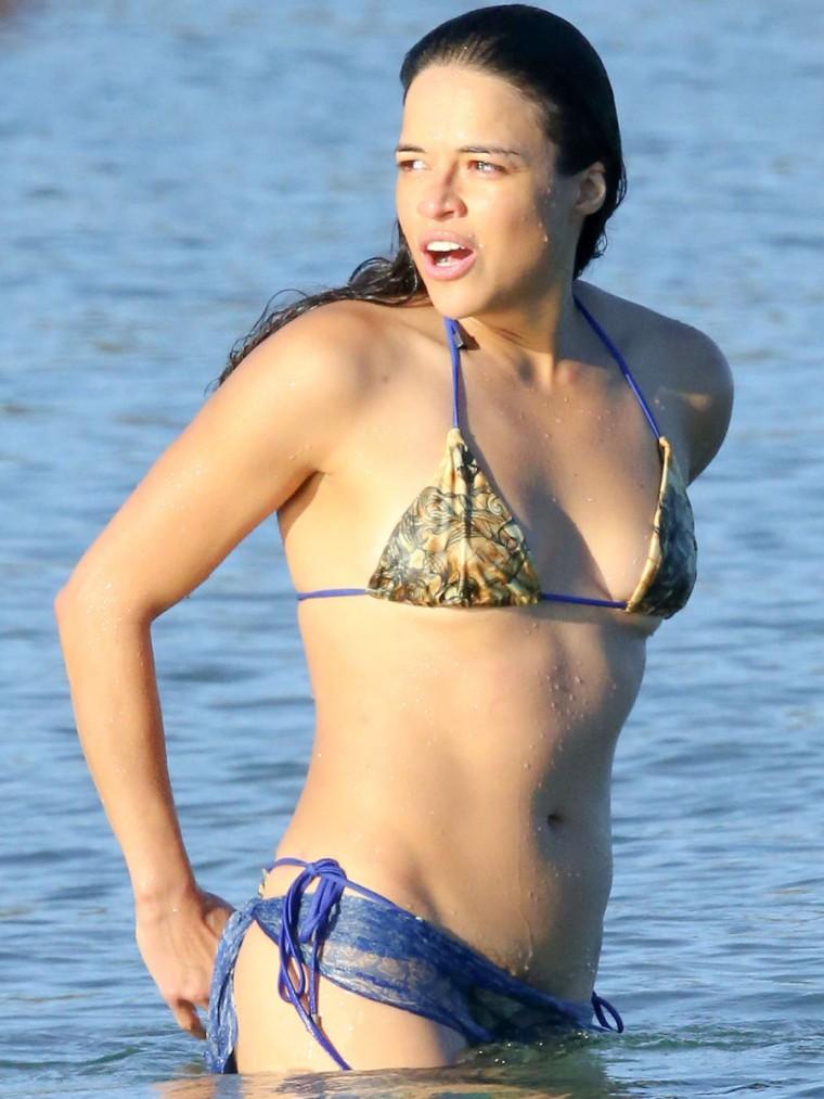 Michelle Rodriguez in a Bikini (18 Photos)