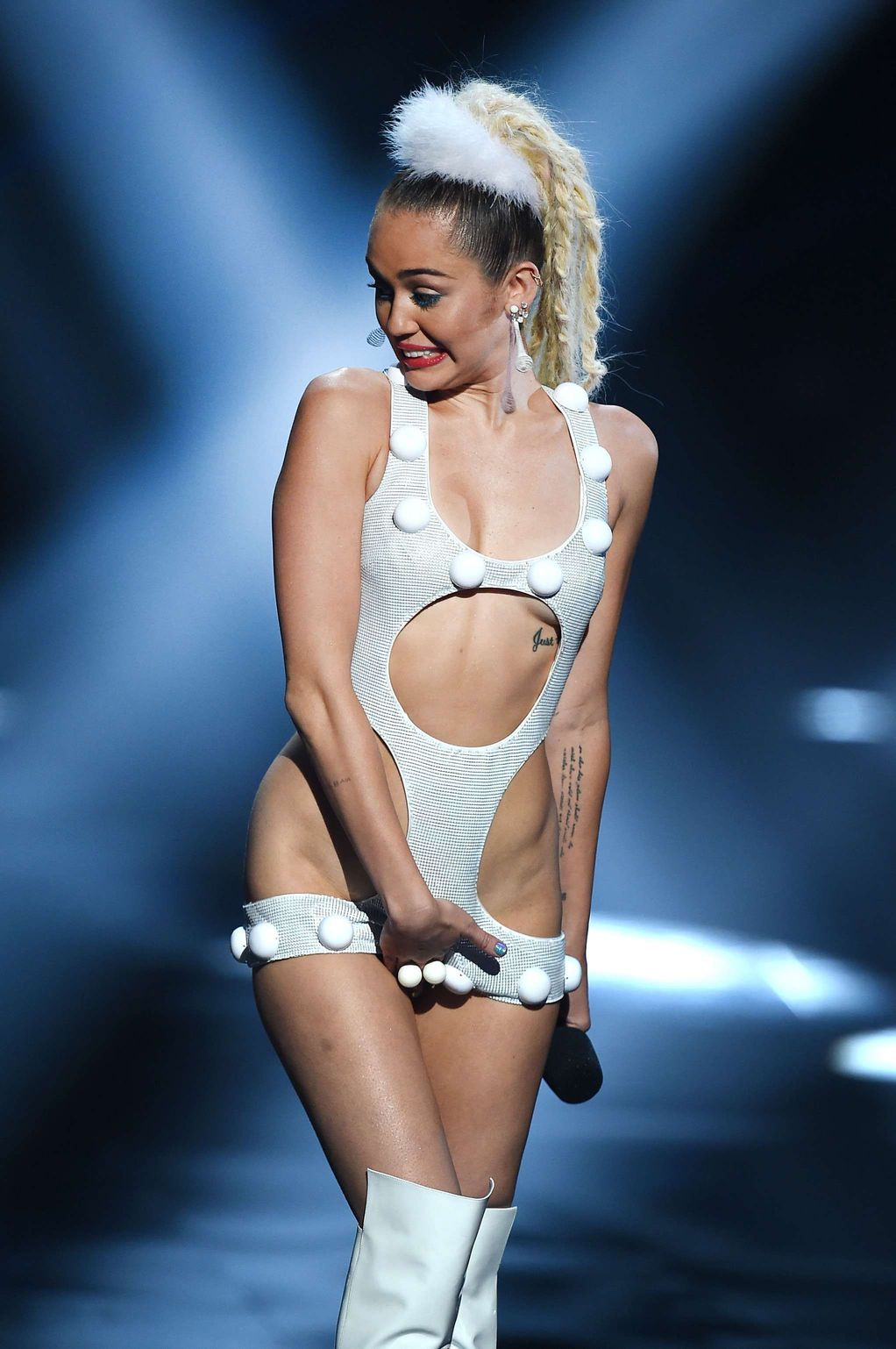 miley cyrus image galleries sexy