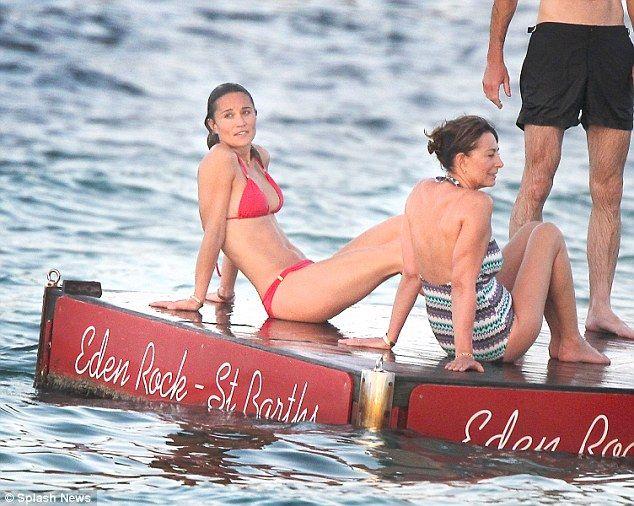 Pippa-Middleton-Bikini-20