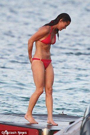 Pippa-Middleton-Bikini-25