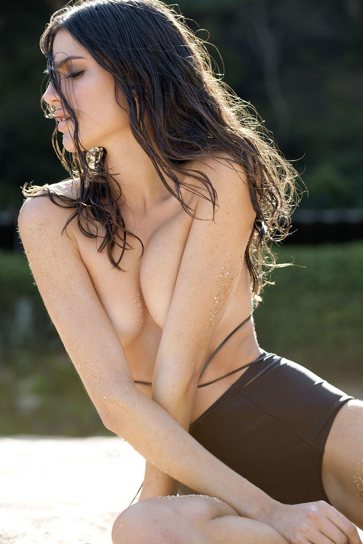 Rafaella-Consentino-Topless-5