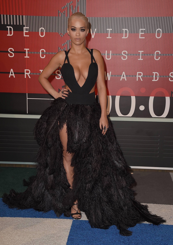 Rita Ora Cleavage (23 Photos)