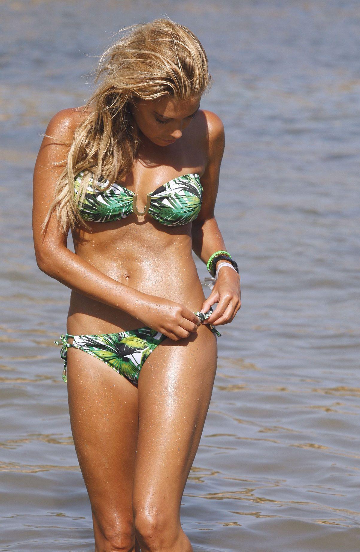 Sylvie Meis Bikini Nude Photos 48
