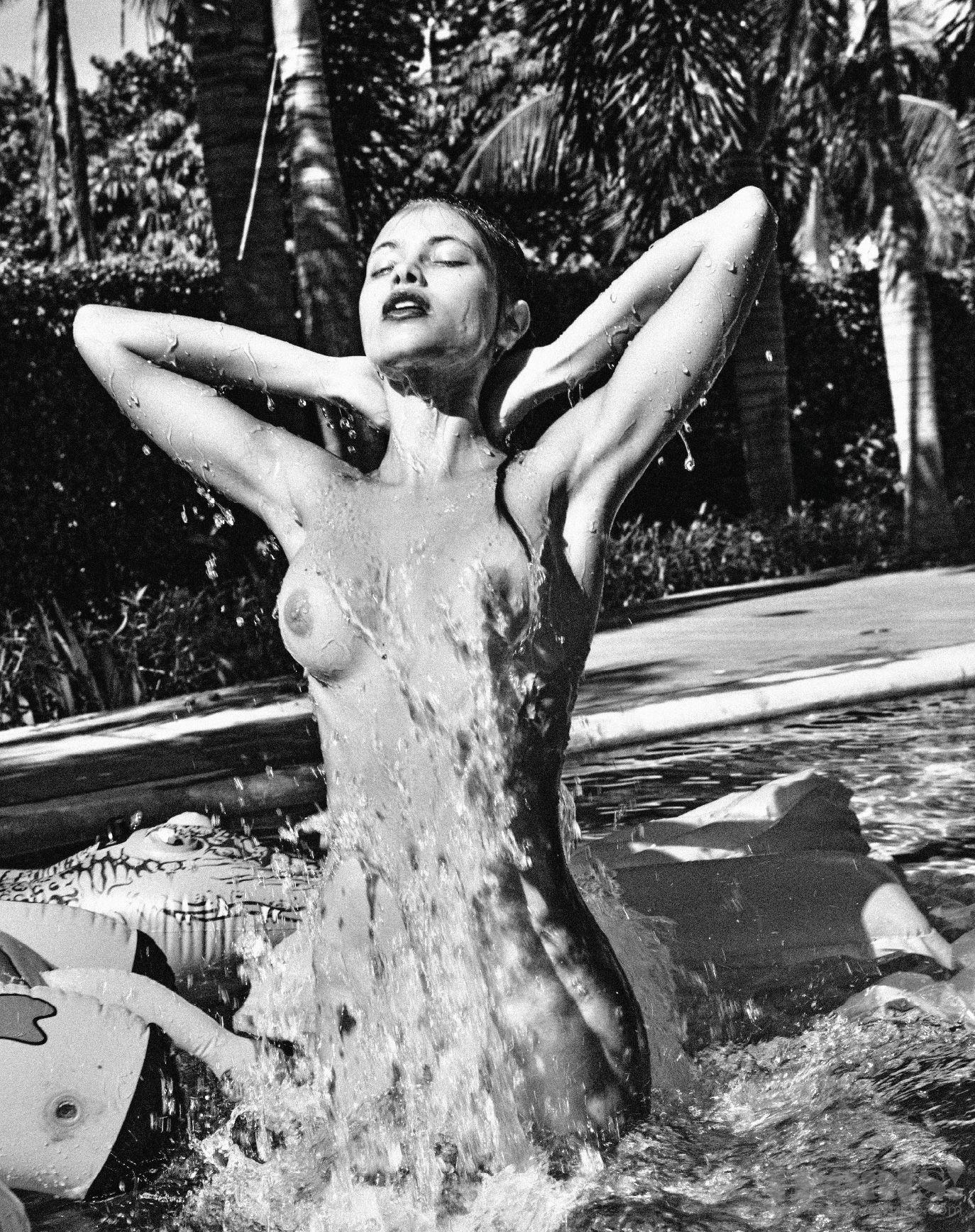 Yara-Khmidan-Nude-Photos-12